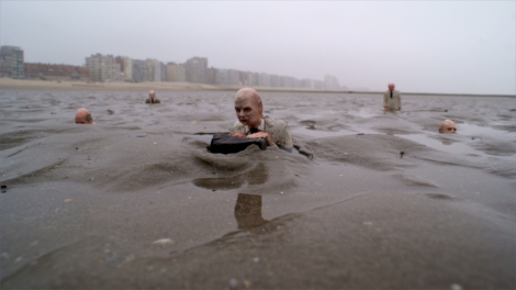 Isaac Cordal, waiting, climate change, Belgium